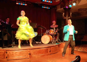 Lindy and Greg perform on the American Empress